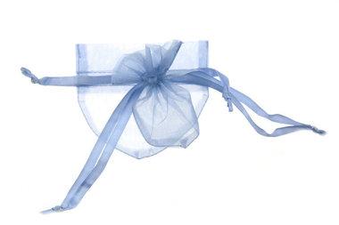 Organza zakje hartvormig licht blauw