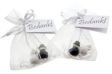Huwelijksbedankjes gelukspoppetje bruidspaar