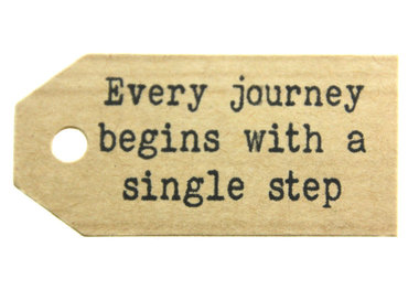 Gelukskaartje kraft label every journey begins with a single step