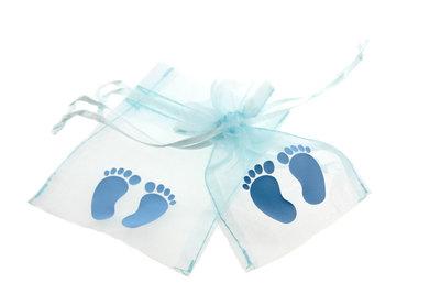 Organza zakjes licht blauw met babyvoetjes