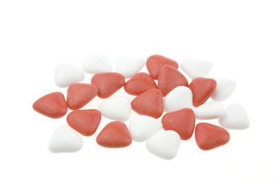 Bruidsuiker hartvormig mini mix wit rood