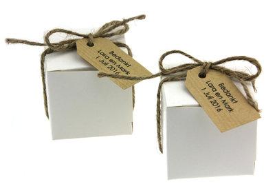 Bedankjes kubusdoosje met kraft label