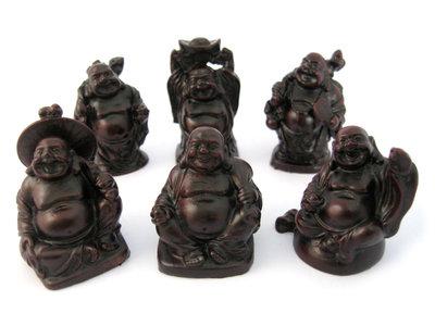 6 Lachende boeddha rood 5 cm