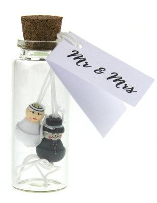 Bedankje geluksflesje gelukspoppetjes bruidspaar