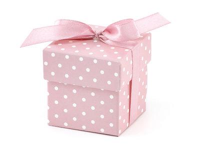 Doosje roze met witte stip